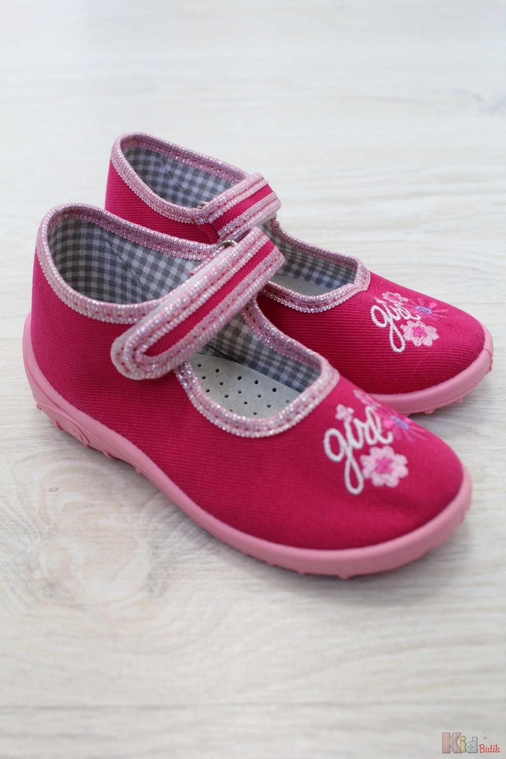 c68785164628ec ᐈ Дитячі тапочки, текстильне взуття для дівчаток ᐈ Купити в інтернет  магазині KidButik™ ➔ Вигідна ціна!