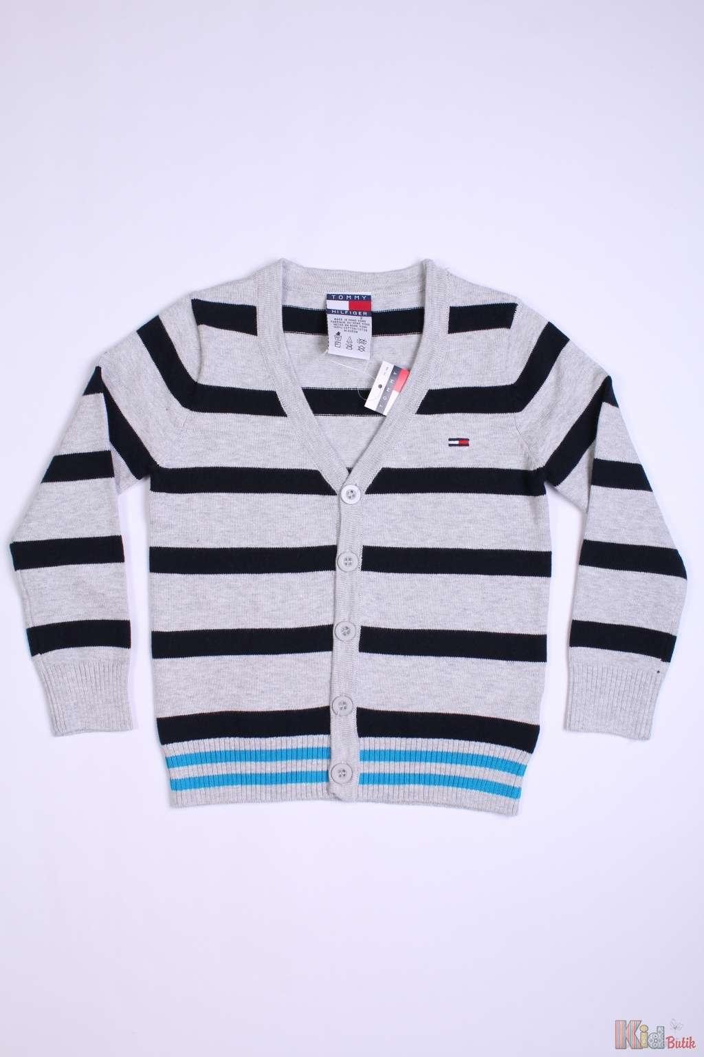 Двухцветный пуловер с доставкой
